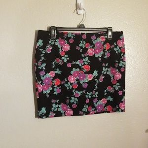 Candies floral skirt size juniors large